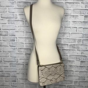 Jewell by Thirty One Street Style Crossbody